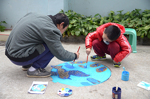 PCA, china, painting man hole covers