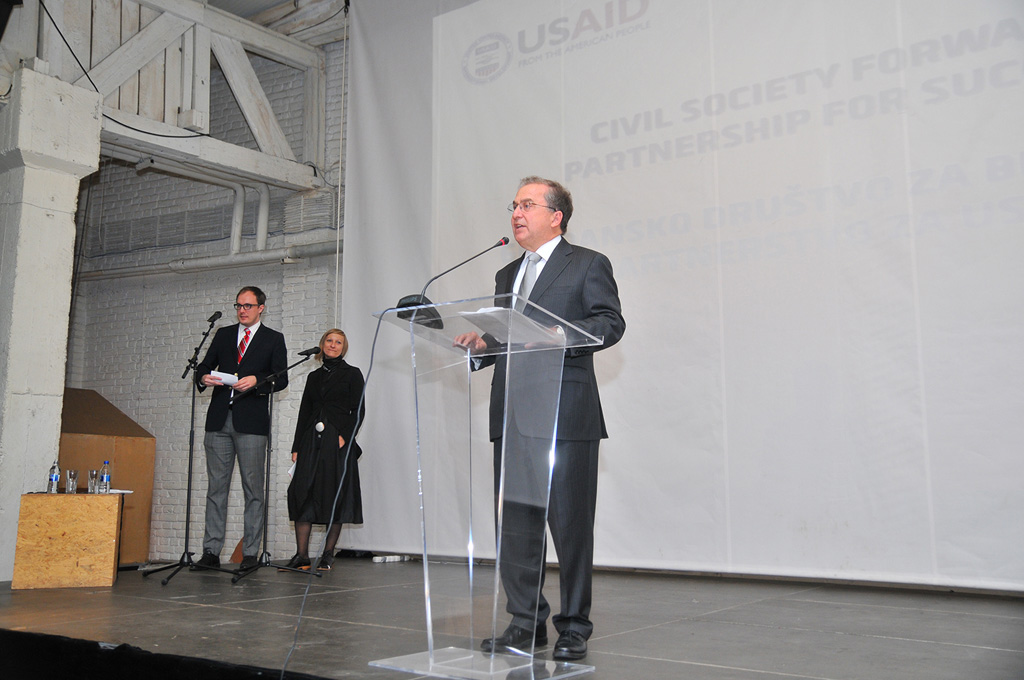richard paisner speaking at closing ceremony for CSF